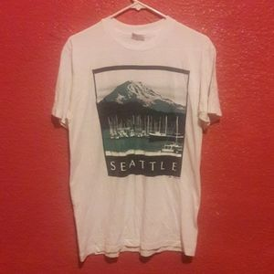 Seattle tee shirt mountain boat vintage style med.